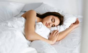 Los que duermen menos de 6 horas, 4.5 veces  más propensos a contraer Covid: estudio