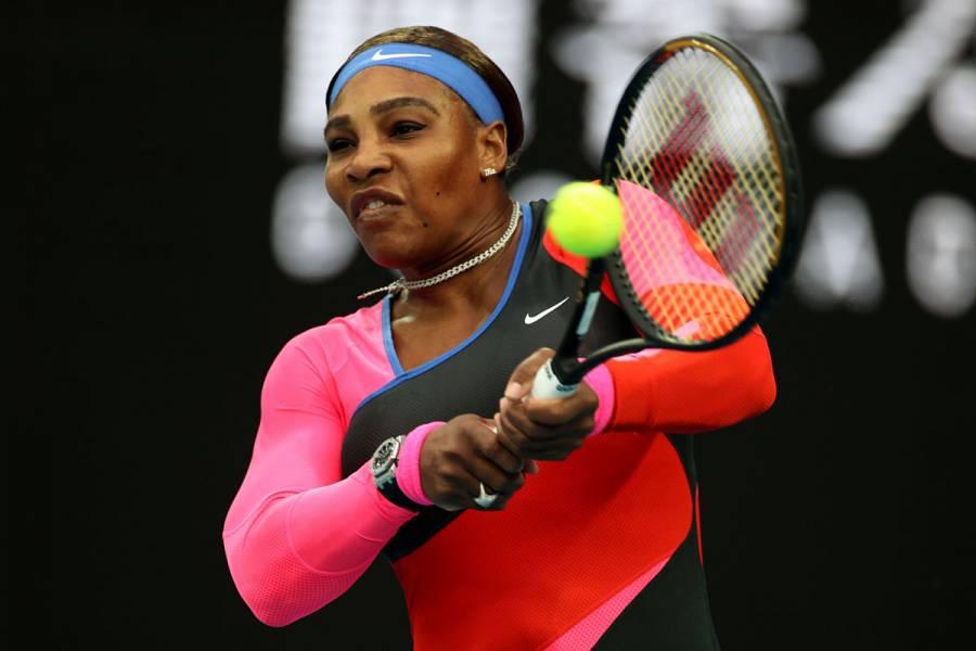 Serena Williams supera a Simona Halep y avanza a semifinales en Abierto de Australia