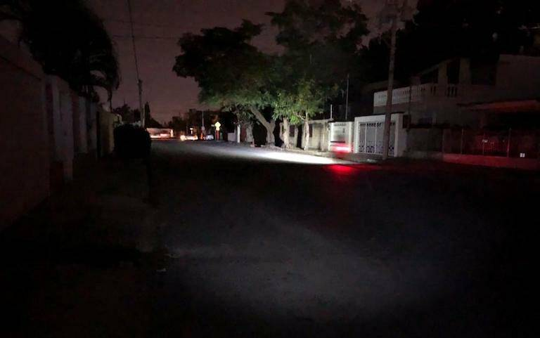 Reportan falta de luz en varios puntos de la CDMX
