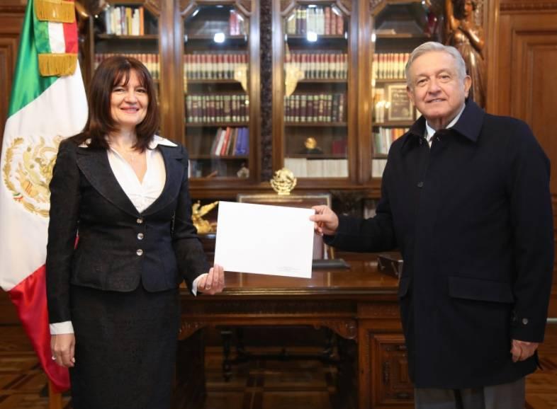 AMLO recibe cartas credenciales de cinco nuevos embajadores