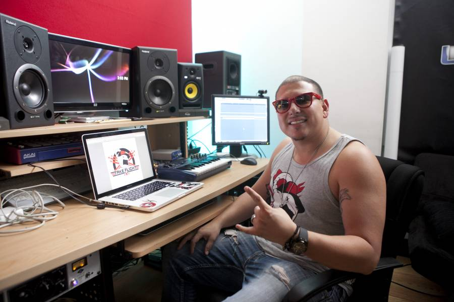"""Smiley Miami lanza """"No Quiero Saber"""" con Frankie Negrón y Vikina"""
