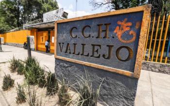 Encapuchados toman instalaciones del CCH Vallejo