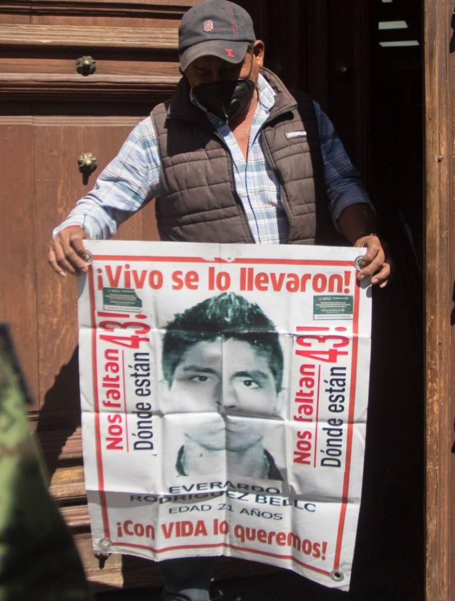 Envían 16 restos humanos a Austria de caso Ayotzinapa