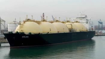 Arriba a Manzanillo buque de gas natural para alimentar plantas de CFE