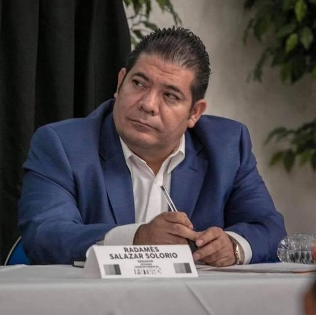 Muere por COVID-19, Radamés Salazar Solorio, senador de Morena