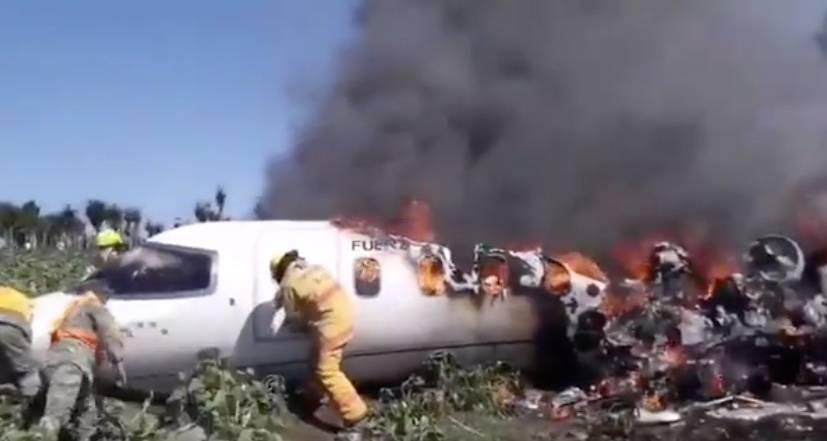 Aeronave de la Fuerza Aérea Mexicana se desploma en Veracruz; reportan seis muertos
