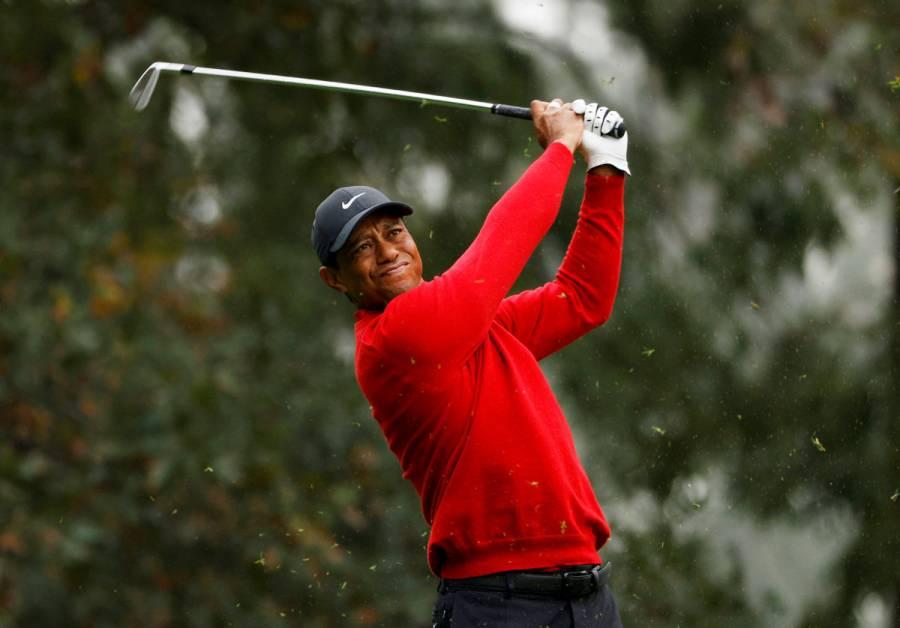 Tiger Woods responde bien tras cirugía; investigan las causas de su accidente