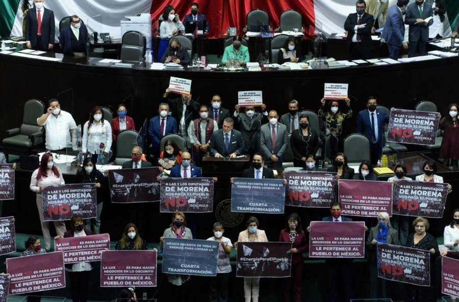 Avalan diputados reforma eléctrica de AMLO