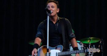 Bruce Springsteen pagará multa de 500 dólares por beber en la playa