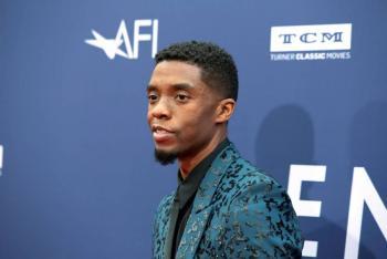 Esperan premio póstumo para Chadwick Boseman en Globos de Oro