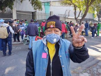 Raúl Flores Hernández, primera persona vacunada por la Sputnik V en México