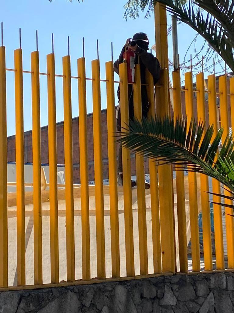 Denuncian agresión de encapuchados a personal de guardia en CCH Vallejo