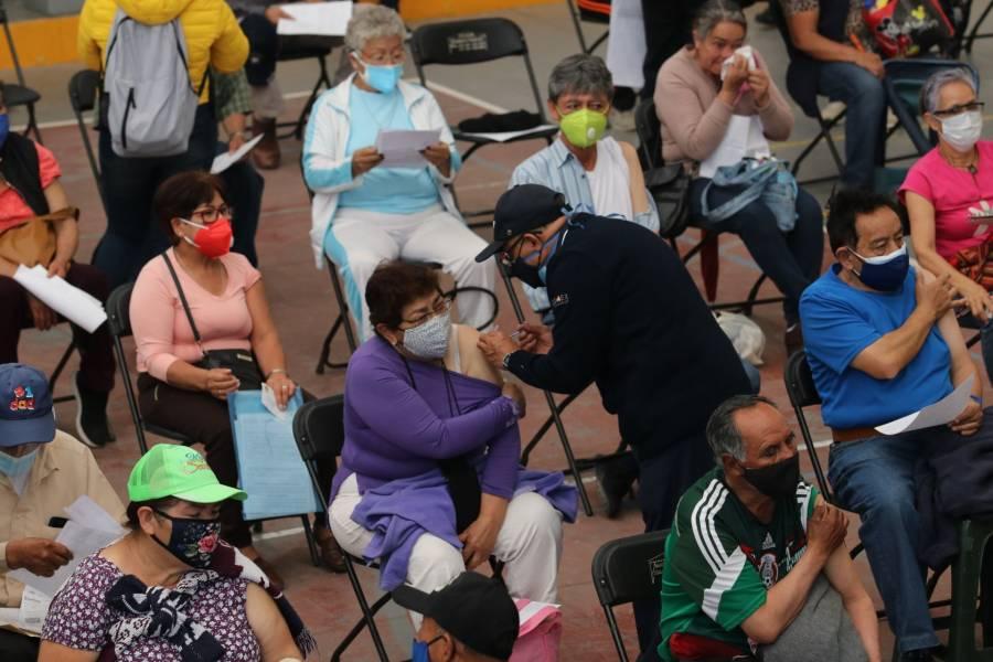 Persiste caos en Ecatepec en plan de vacunación