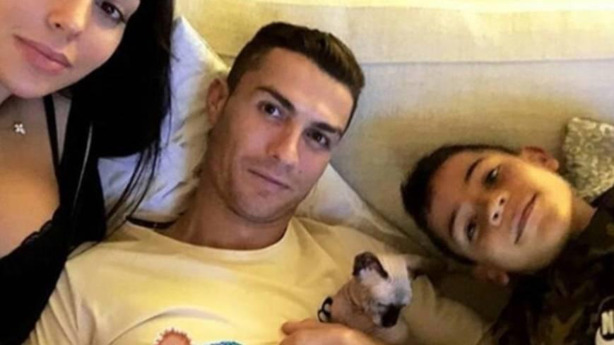 Cristiano Ronaldo paga jet privado para que atiendan a su gato atropellado