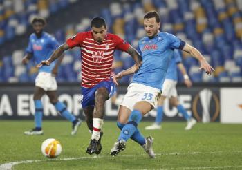 """Napoli y """"Chucky"""" Lozano caen eliminados por el Granada en la Europa League"""