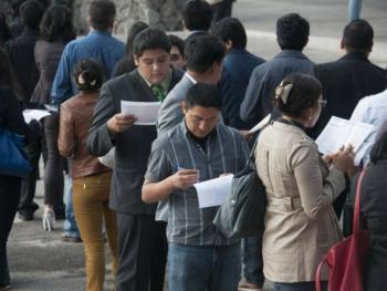 Desempleo en México repunta levemente en enero tras seis meses de bajas