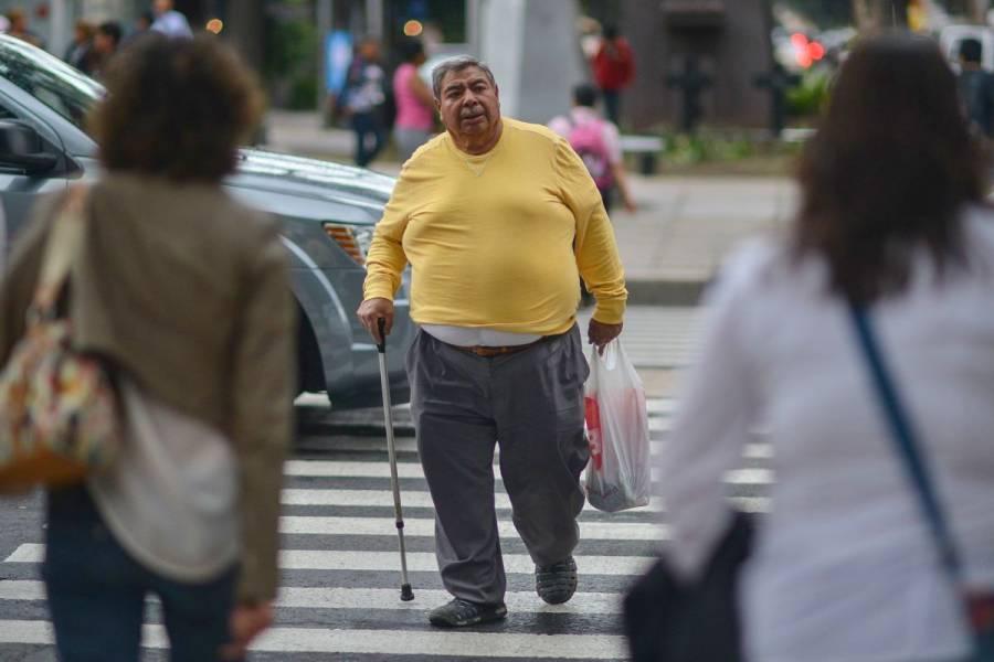 En personas con obesidad, la vacuna demuestra ser menos efectiva