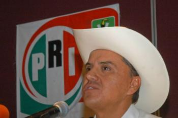 Ordenan captura contra Roberto Sandoval, exgobernador de Nayarit