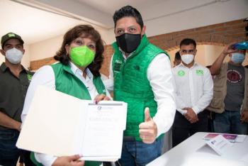 Leonor Noyola se registra como candidata para alcaldía de Soledad de Graciano Sánchez