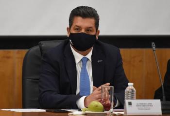 """Cabeza de Vaca desmentirá """"cabalmente"""" acusaciones de corrupción en su contra"""