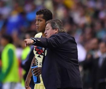 Miguel Herrera critica a Giovani dos Santos por sus lesiones