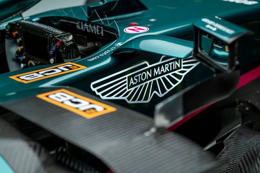 Aston Martin presenta el AMR21 en su retorno a la Fórmula 1