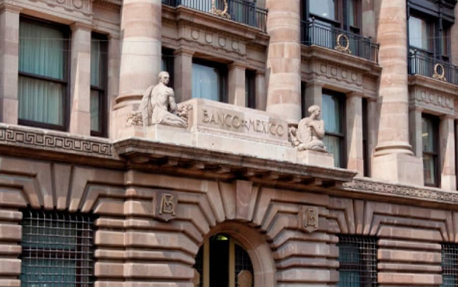 Banxico mejora pronósticos de crecimiento en la economía