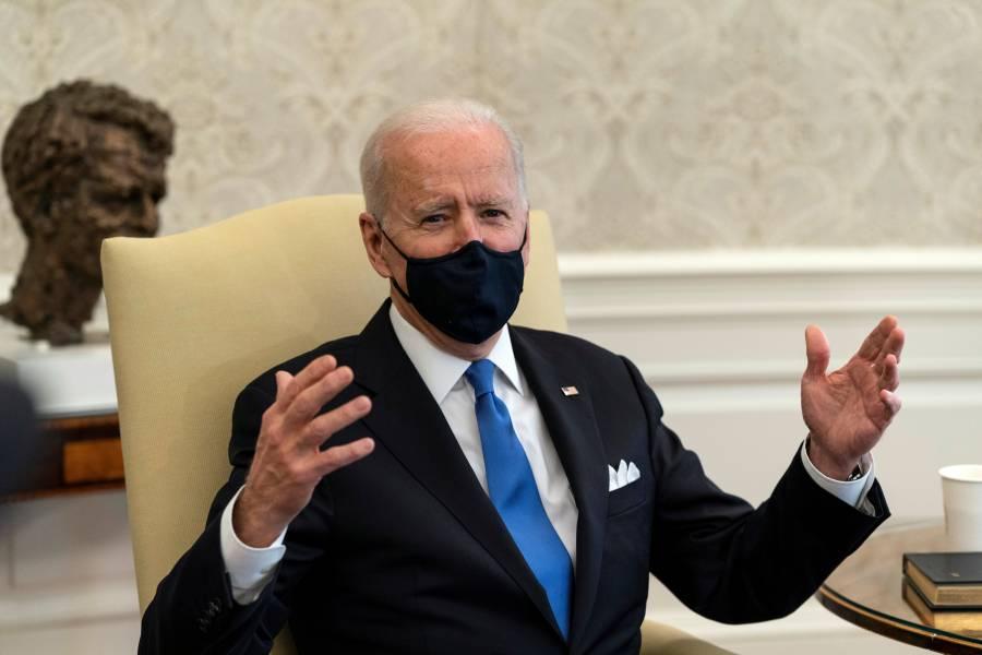 """""""Neandertal"""", suspender uso  de cubrebocas: Biden"""