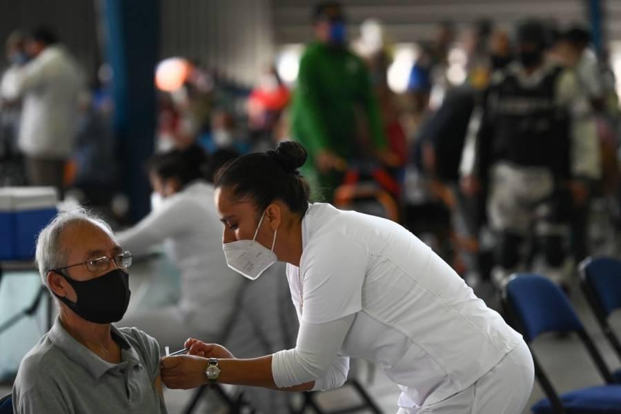 Suman 2 millones 676 mil 35 vacunas Covid aplicadas en México