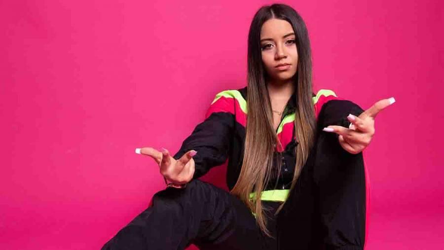 Venezolana Adri Nicol estrena video cover