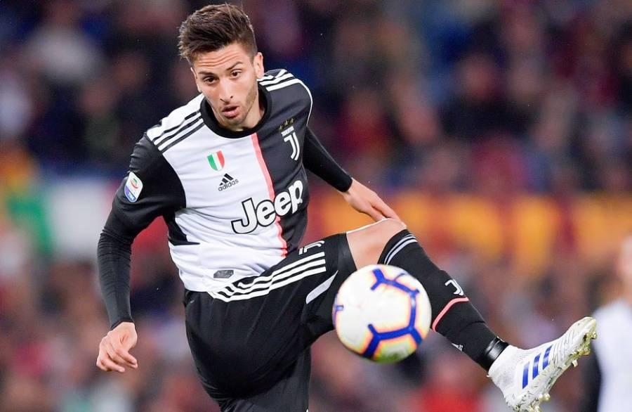 Rodrigo Bentancur, mediocampista del Juventus da positivo a COVID-19