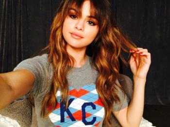 Selena Gomez anuncia los temas de su nuevo disco