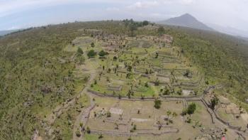 Descubren primera tumba troncocónica en la región de Cantona, Puebla