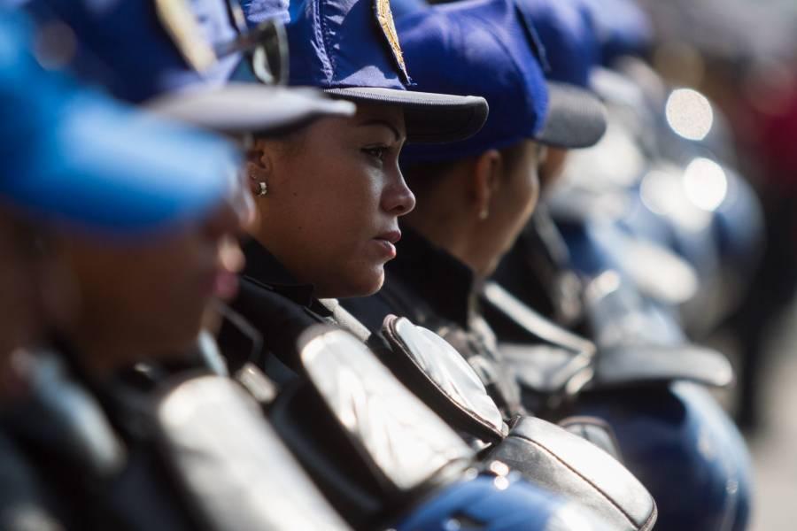 En la CDMX, ascienden mil 571 mujeres policías