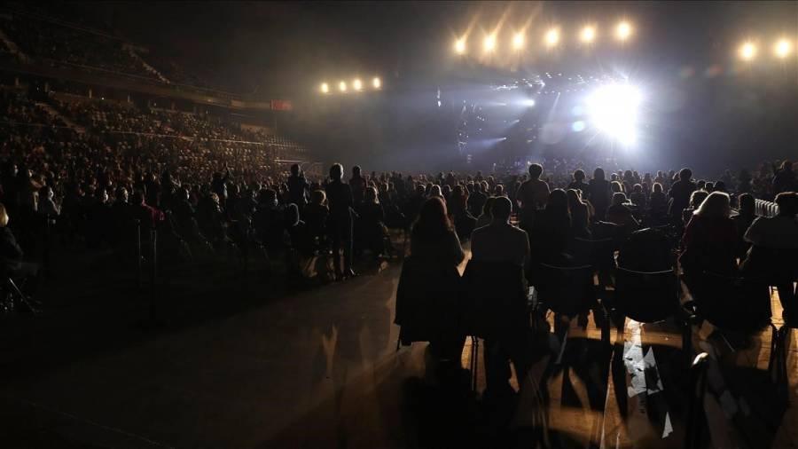Barcelona celebrará un concierto para 5,000 sin medidas sanitarias