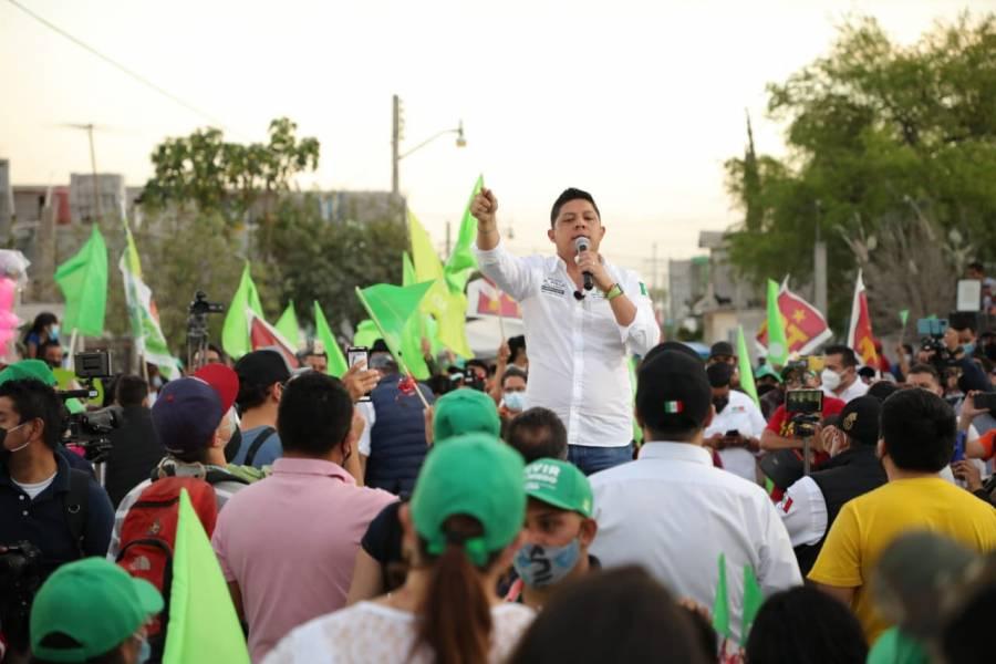 Inicia 'El Pollo' Gallardo recorrido en tierras potosinas