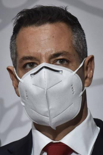 Alejandro Murat acepta renuncias de funcionarios