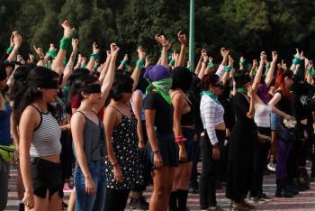 Mujeres que protestan en México sufren agresión física y violencia sexual: Amnistía Internacional