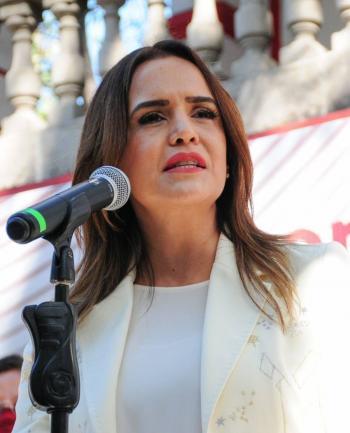 En Nuevo León, Clara Luz presenta su plan de reactivación económica emergente