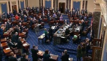 Senado EEUU aprueba plan de alivio contra COVID-19