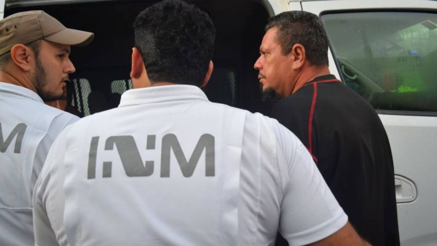 Desmonta INM campamento en Matamoros, Tamaulipas