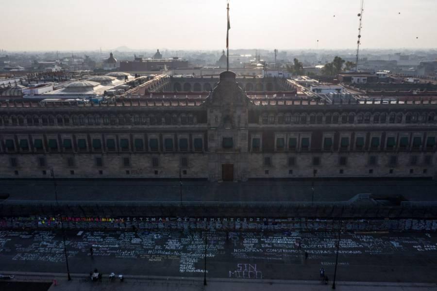 Arriban primeros contingentes de mujeres al Zócalo