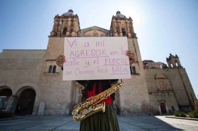 … y el fiscal no hizo NADA, escribió saxofonista atacada con ácido