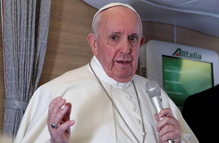 Tras viaje a Irak, el Papa Francisco busca respuestas sobre ventas de armas