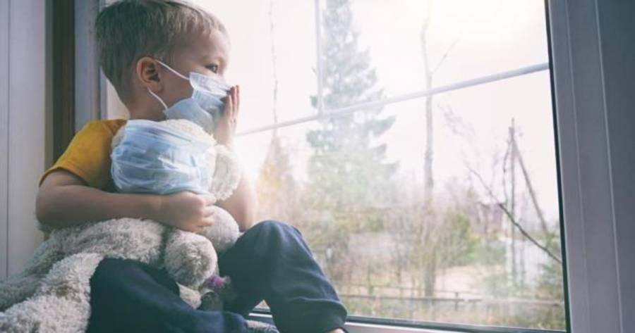 Confinamiento aumenta riesgo de que niños padezcan alergias y asma: microbióloga
