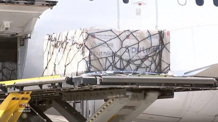 Llega a México nuevo lote de 200 mil dosis de vacuna Sputnik V