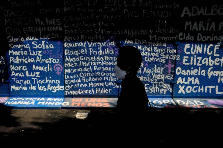 AMLO contemplaba preservar una semana muro convertido en memorial