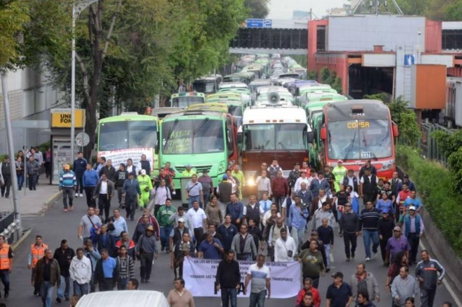 Transportistas realizan bloqueos en varios puntos de la CDMX