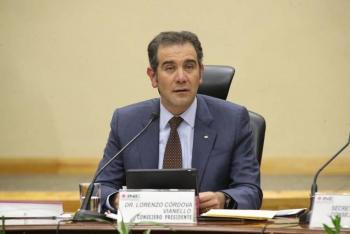 Presidente de INE promueve amparo contra sanciones por salarios