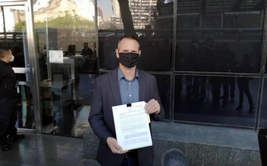 Por omisiones en caso LeBarón, denuncian a Alfonso Durazo ante la FGR